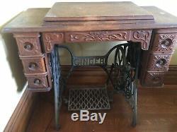 1903 singer Sewing Machine Old Vintage Antique Treadle 6 Oak Drawers Cabinet