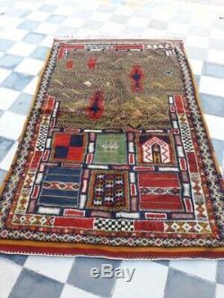 Antique Moroccan rug. Old rug. Antique Handmad BERBER Wool rugs vintage 0028