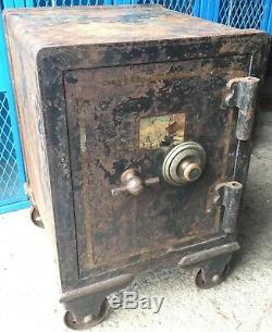 Old Antique Vtg Sg Quirk Safe Ny 1895 Yale Lock System Combination Metal Heavy