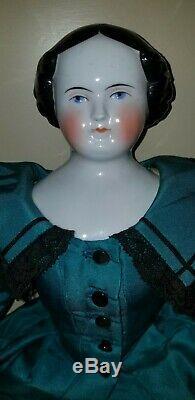 Antique Allemand Flat Top Chine Doll 18 1/2 Tête Vieux Bras En Cuir Corps Mains