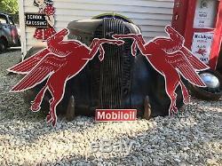 Antique Vintage Old Style Mobil Pegasus Gauche Et Droite Connexion