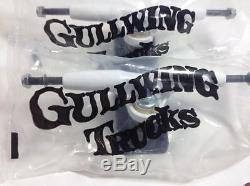Camions Gullwing Sidewinder 8.5 New Old Stock 1980 Trucks Planche À Roulettes Blanche