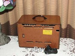 Radio Vintage Vieux Tube Antique En Bois Philco MDL 40-125 Une Vraie Beauté