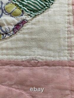 Vintage Quilt Assiette Dresde 63x77 Pink Hand Quilted Great Old Fabric
