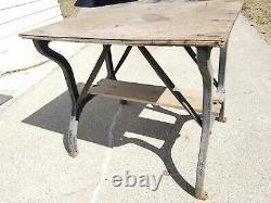 Vtg Pattes De Fonte Table De Cuisine Industrielle Shuffleboard Repurpose Steampunk Vieux